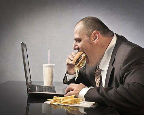 Paradoxul mâncatului emoțional. De ce ne distragem atenția de la probleme prin mâncare? – CHIROMEDICA Health Center
